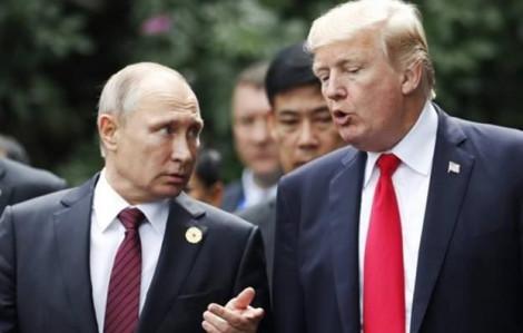 Tổng thống Nga - Mỹ 'tranh thủ' trao đổi nhanh tại APEC