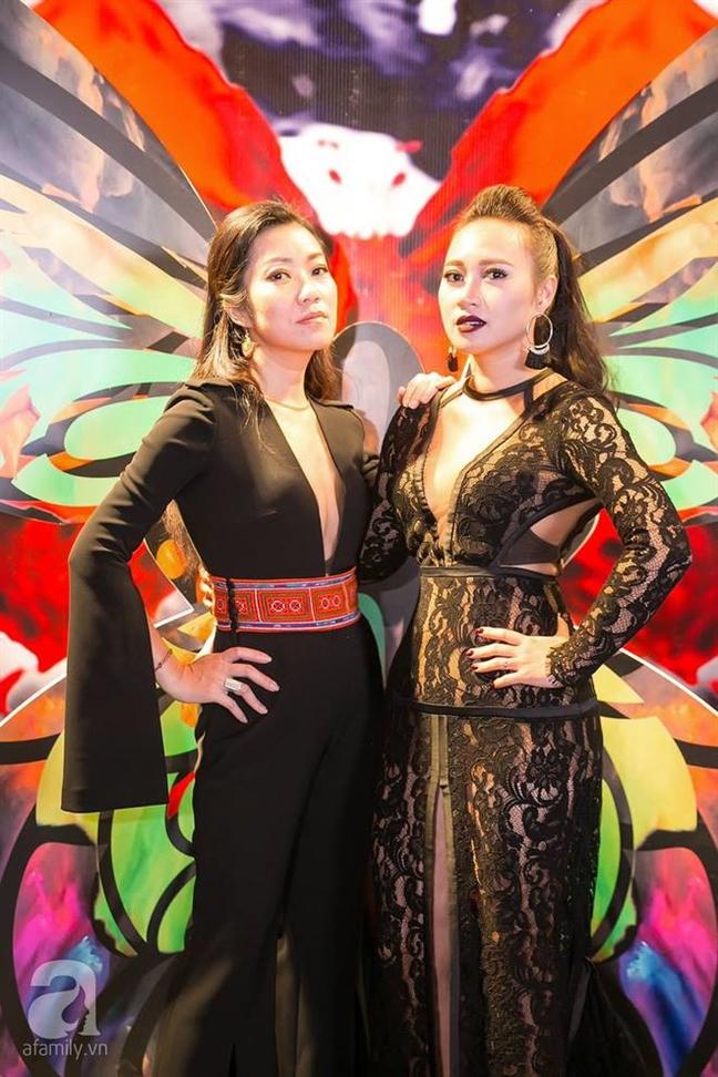 Khanh Linh 'lot xac' trong thiet ke cua Vo Thuy Duong