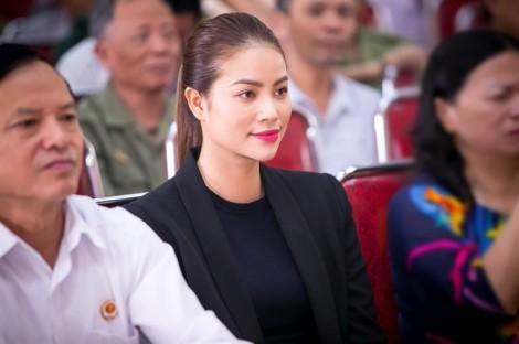 Phạm Hương - Một chuyến đi