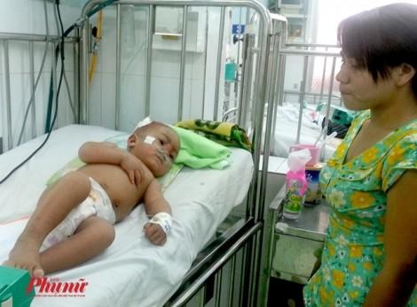 Không kịp chờ đến tuổi chích ngừa sởi, em bé đã tử vong