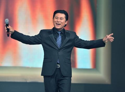NSUT Ta Minh Tam to chuc show dien ky niem chang duong 40 nam ca hat