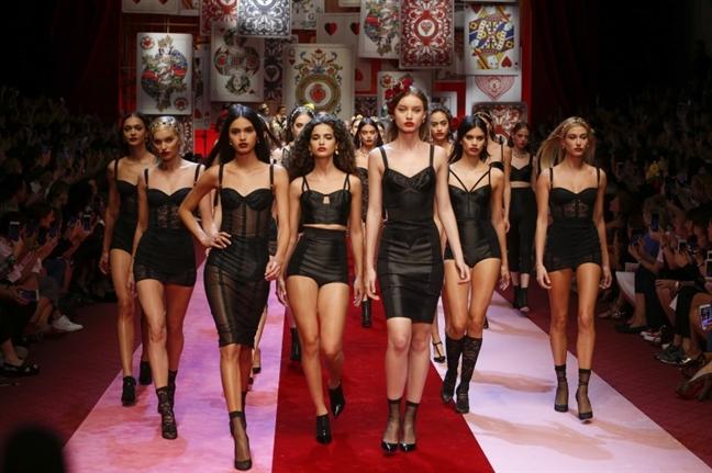 Vi sao Dolce & Gabbana duoc tin do thoi trang yeu thich?