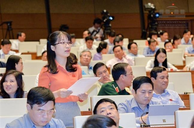 Dai bieu Quoc hoi 'to' hon 6 thang khong nhan duoc cau tra loi cua Bo truong Y te