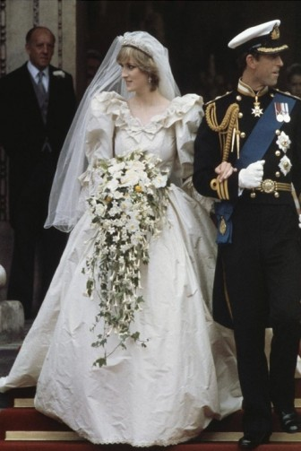 Ngất ngây với váy cưới cực đẹp của sao nữ đình đám thế giới