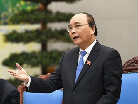 Thủ tướng Nguyễn Xuân Phúc: Tính toán nâng lương cho cán bộ công chức để phòng chống tham nhũng vặt