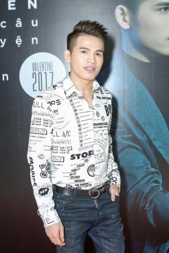 Nhiều ca sĩ phẫn nộ khi nghe Chi Pu hát live trên sóng truyền hình quốc gia