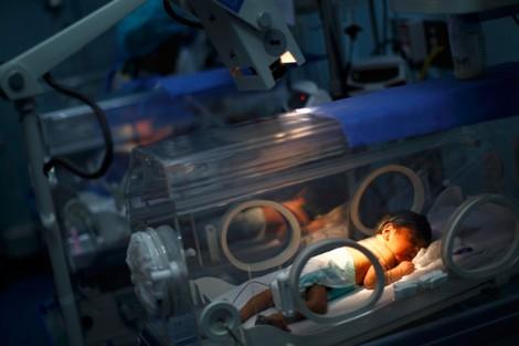Vụ 4 trẻ tử vong ở BV Sản Nhi Bắc Ninh: Chuyển thêm 8 bệnh nhi lên Hà Nội cấp cứu