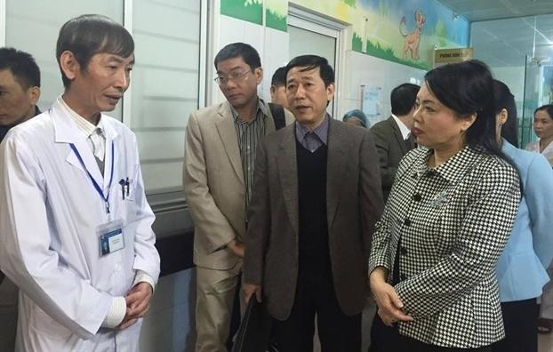 Vu 4 tre so sinh tu vong: Bo truong Nguyen Thi Kim Tien 'diem mat' 3 nguyen nhan bat thuong