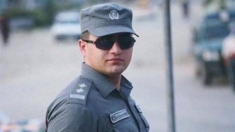 Cứu mạng người vô tội, viên cảnh sát trẻ tuổi liều mình ôm chặt kẻ đánh bom tự sát