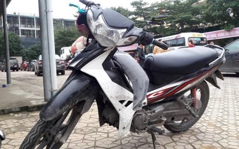Nhận lại xe máy bị mất 4 năm trước khi kẻ trộm gây tai nạn