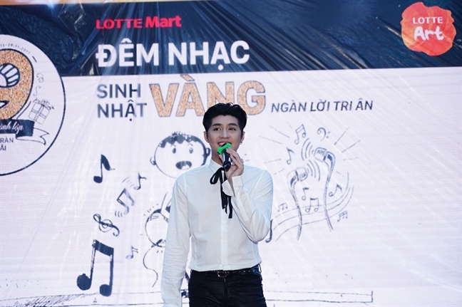 Quay tung bung dem sinh nhat Lotte Mart 9 tuoi