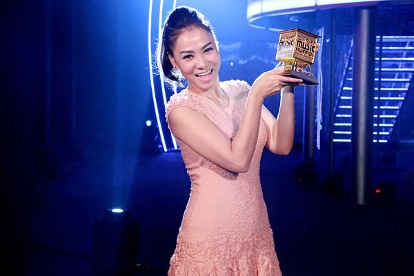 Dieu gi giup Thu Minh duoc chon lam host cua MAMA 2017 tai Viet Nam?
