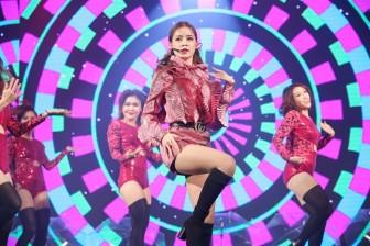 Showbiz Việt 'loảng xoảng' vì Chi Pu muốn làm ca sĩ