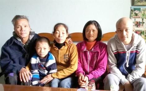 Chuyện 'bánh đúc có xương' về người phụ nữ chăm nuôi 8 con riêng của chồng