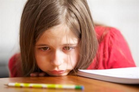 Dấu hiệu hội chứng tăng động giảm chú ý ở bé gái, các mẹ bỏ sót