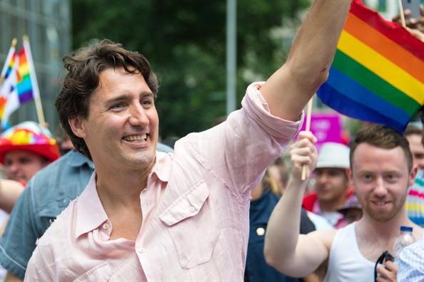 Thu tuong Trudeau xin loi cong dong LGBTQ Canada