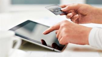 Bảo vệ túi tiền khi mua sắm online