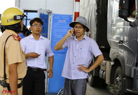 Hàng tram nguòi dan, tai xe la het 'bao vay' BOT Cai Lạy, cong an tạm giũ mọt só nguòi gay rói