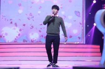 Chàng trai Hàn Quốc bị ném đá vì chê giọng hát của Chi Pu 'như bà già 60 tuổi'