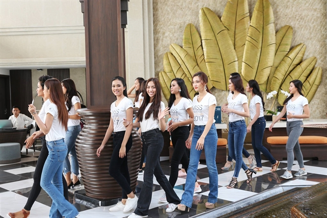 BTC Hoa hau Hoan vu Viet Nam dang 'got chan cho vua giay'?