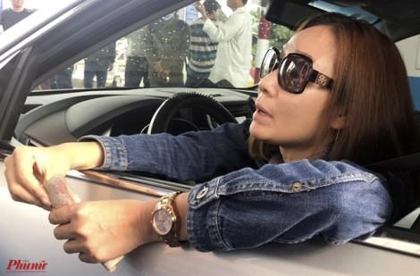 Nữ tài xế 'chặn' trạm thu phí BOT Cai Lậy hơn 30 phút để trả tiền lẻ