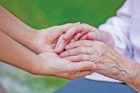 Chuyên đề Người già trong 'cơn bão': Dưỡng nuôi cha mẹ, là dưỡng nuôi chúng ta