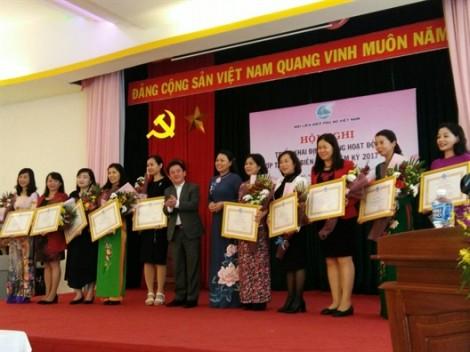 Hội LHPN TP.HCM nhận bằng khen về hoạt động đối ngoại nhân dân