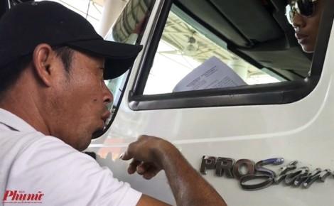 'Người lạ' hăm dọa tài xế trạm BOT Cai Lậy trốn biệt tăm, cha mẹ già xin tha thứ