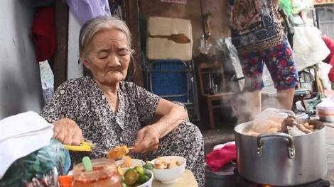 Cụ già 81 tuổi bán phá lấu ngon trứ danh Sài Gòn