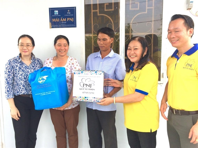 133 mai am tinh thuong cho phu nu ngheo trong nam 2017