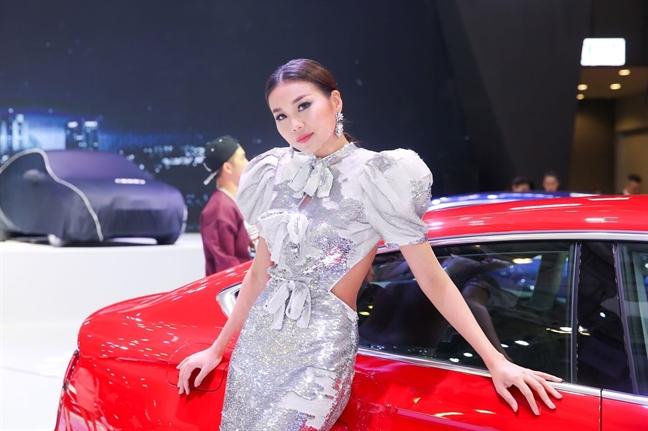 Thanh Hang: 'Khong muon thanh cong dua tren nhung chuyen doi tu'