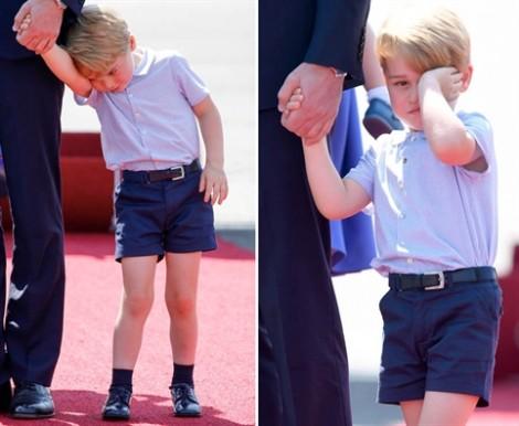 Hoàng tử Anh lo lắng khi con trai mê chơi games trên iPad