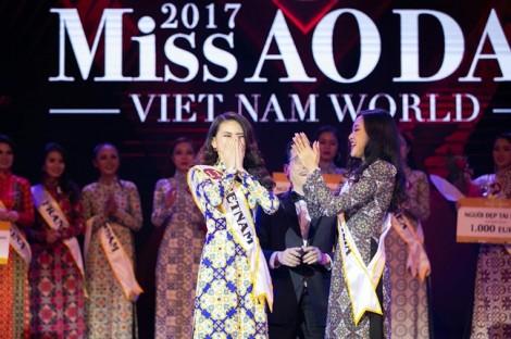 Thí sinh 'Hoa hậu Hoàn vũ Việt Nam 2017' ra nước ngoài thi 'chui'