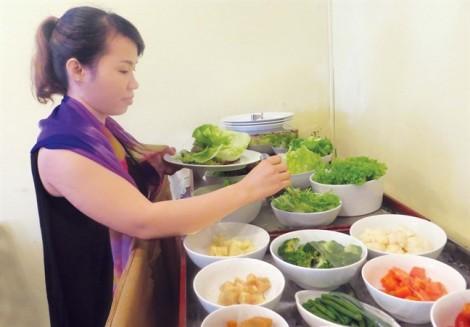 Món ăn 'sang' quen mà lạ của dân văn phòng Sài Gòn
