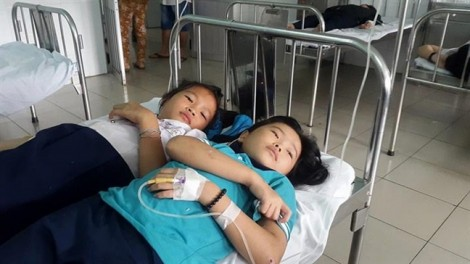 16 học sinh đau bụng dữ dội sau khi ăn sáng