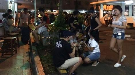 Động đất mạnh rung chuyển Indonesia, người dân tháo chạy lúc nửa đêm