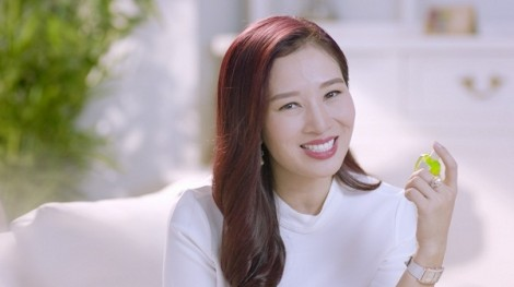 Á hậu quý bà Thu Hương bật mí cách chăm sóc mắt khỏe đẹp