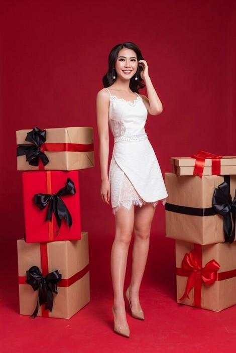 Trang phục đậm sắc Giáng sinh sang trọng của nhà thiết kế Đỗ Long