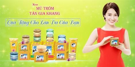 Đại sứ thương hiệu Nhã Phương cùng kem mủ trôm Tân Gia Khang