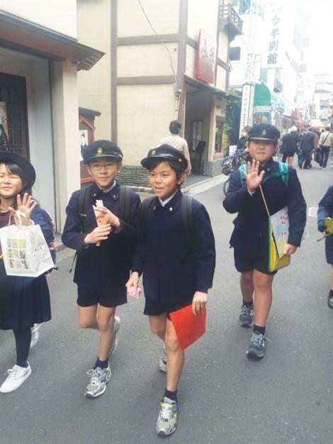 Nhật Bản: Rèn tinh thần trách nhiệm ngay từ ngày đầu đến trường