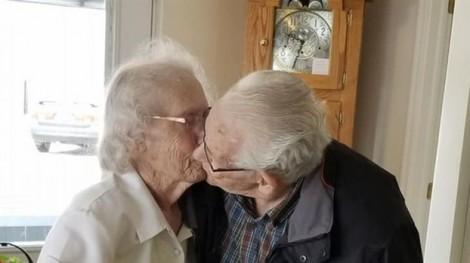 Cặp vợ chồng già Canada 'bị chia ly' ngay trước lễ Giáng sinh