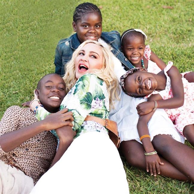 Madonna: Nu hoang thuc dung va hanh trinh lam me