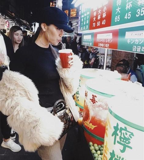 Street style mùa Giáng sinh với áo lông sang chảnh của mỹ nhân Việt