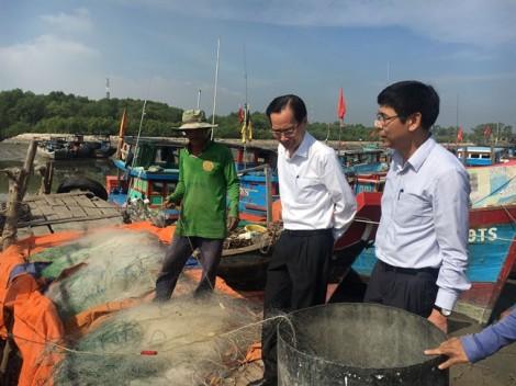 5.000 người dân huyện đảo duy nhất của TP.HCM chuẩn bị di tản tránh bão số 16