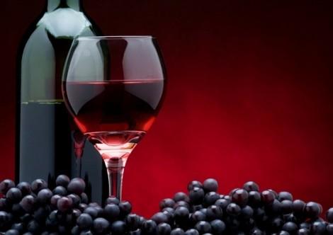 Lợi ích chống lão hóa không ngờ từ rượu vang đỏ