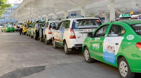 Taxi truyền thống tiếp tục 'kêu cứu' lên Bộ, Vinasun khẳng định kiện Uber, Grab đến cùng