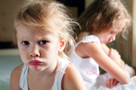 Trẻ hung hăng cũng bị tổn thương