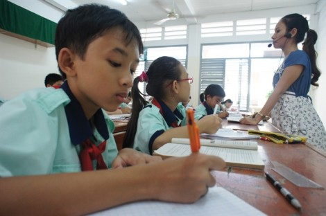 Thi tuyển lớp Sáu: học sinh tiểu học lại khổ!
