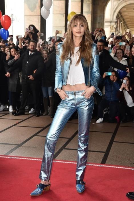 Thời trang thảm đỏ đẹp khó cưỡng của siêu mẫu Gigi Hadid