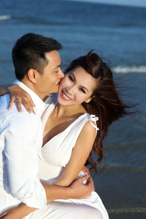 Ca sĩ Khánh Ngọc: 'Mong người yêu tôi, yêu luôn cả con trai tôi'
